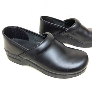 Dansko leather black clogs Size 39